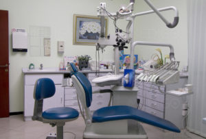 How to open a dental clinic in Dubai